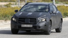 2014 Mercedes GLA Spy Photos grille