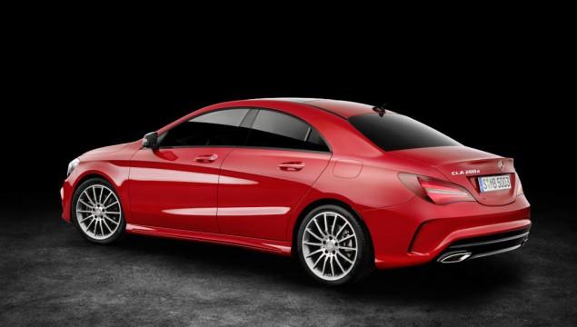 Mercedes-Benz CLA 200d 4MATIC Coupé (C117) 2016. Jupiterrot, Interieur Leder schwarz. Kraftstoffverbrauch (l/100 km) innerorts/außerorts/kombiniert: 5,5/4,0/4,6  CO2-Emissionen kombiniert: 119 g/km