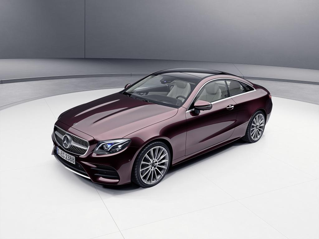 Mercedes-Benz E-Class Coupé; Exterior: Rubellite red, AMG Line exterior