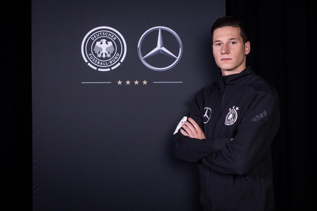 """Fußball-WM Kampagne von Mercedes-Benz: """"Best Never Rest"""""""