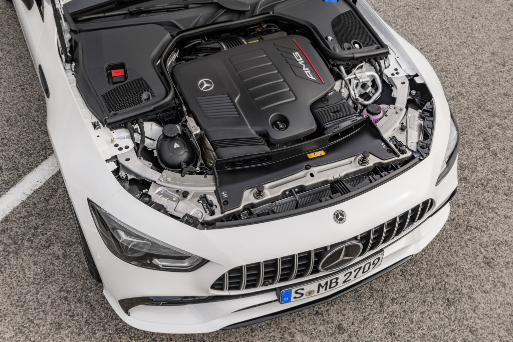 Mercedes-AMG GT 53 4MATIC+ 4-Door Coupé, AMG Night-packet, Exterior: Exterior paint: designo diamond white bright, colour variation black;Fuel consumption combined: 9.1 l/100 km; CO2 emissions combined: 209g/km* (provisional data)