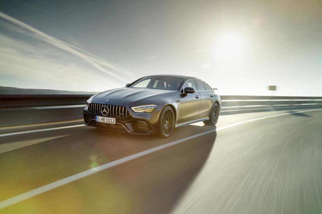 Mercedes-AMG GT 63 S 4MATIC+ 4-Door Coupé, AMG Carbon-packet, Exterior: Exterior paint: graphite grey magno, colour variation black;