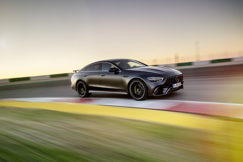 Mercedes-AMG GT 63 S 4MATIC+ 4-Door Coupé, AMG Carbon-packet, Exterior: Exterior paint: graphite grey magno, colour variation black;