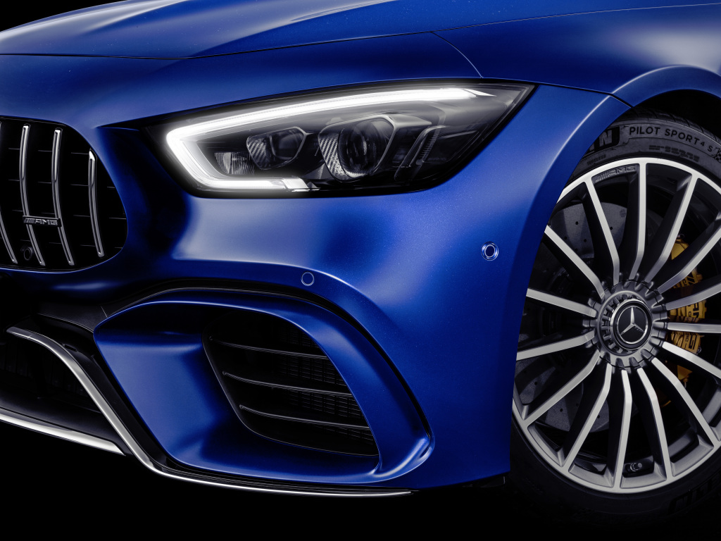 Mercedes-AMG GT 63 S 4MATIC+ 4-Door Coupé, AMG Silver-chrome packet, Exterior: Exterior paint: brilliant blue magno;Fuel consumption combined: 11.2 l/100 km; CO2 emissions combined: 256 g/km* (provisional data)