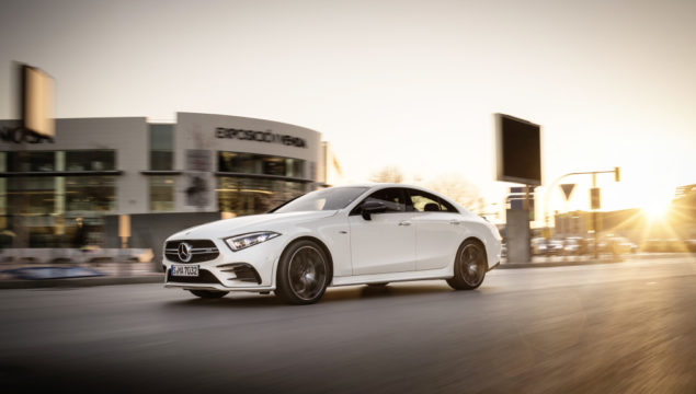 Mercedes-AMG CLS 53 4MATIC+, designo diamond white bright; AMG nappa leather black with contrasting topstitching in red;Fuel consumption combined: 8,7 l/100 km; CO2 emissions combined: 200 g/km*
