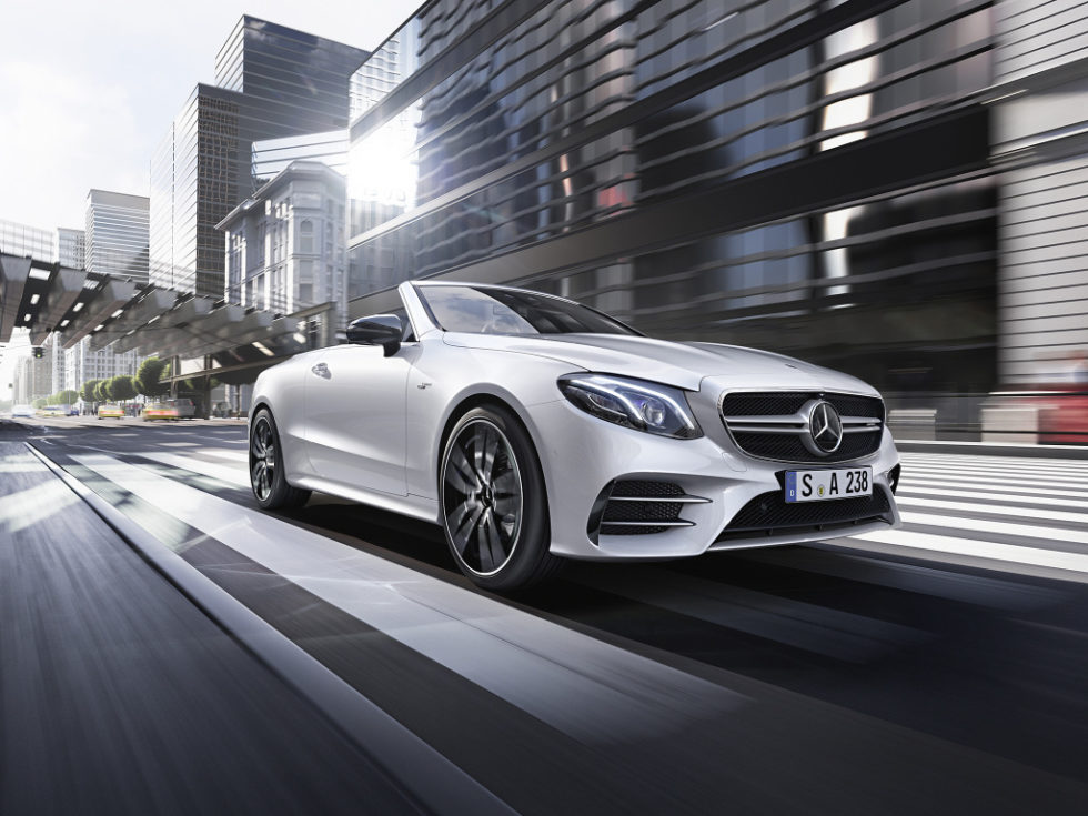 Mercedes-AMG will accompany the market launch of the new models Mercedes-AMG E 53 4MATIC+ Coupé, Mercedes-AMG E 53 4MATIC with a Social Media Kampagne. Mercedes-AMG will accompany the market launch of the new models Mercedes-AMG E 53 4MATIC+ Coupé, Mercedes-AMG E 53 4MATIC with a Social Media Kampagne.;Combined fuel consumption: 8.9-8.8 l/100 km; CO2 emissions combined respectively: 204-203 g/km*