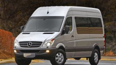 2010_Sprinter_PassengerVan_13_medium