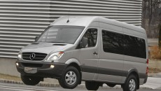 2010_Sprinter_PassengerVan_19_medium