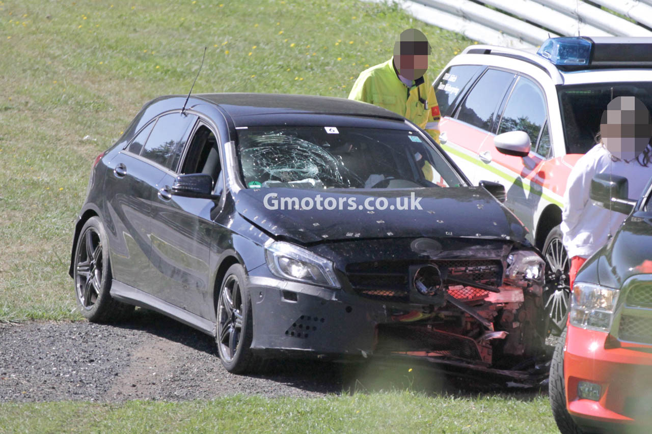 2013-Mercedes-A-45-AMG-crash-nurburgring-1