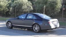 2013-Mercedes-S-Class-side