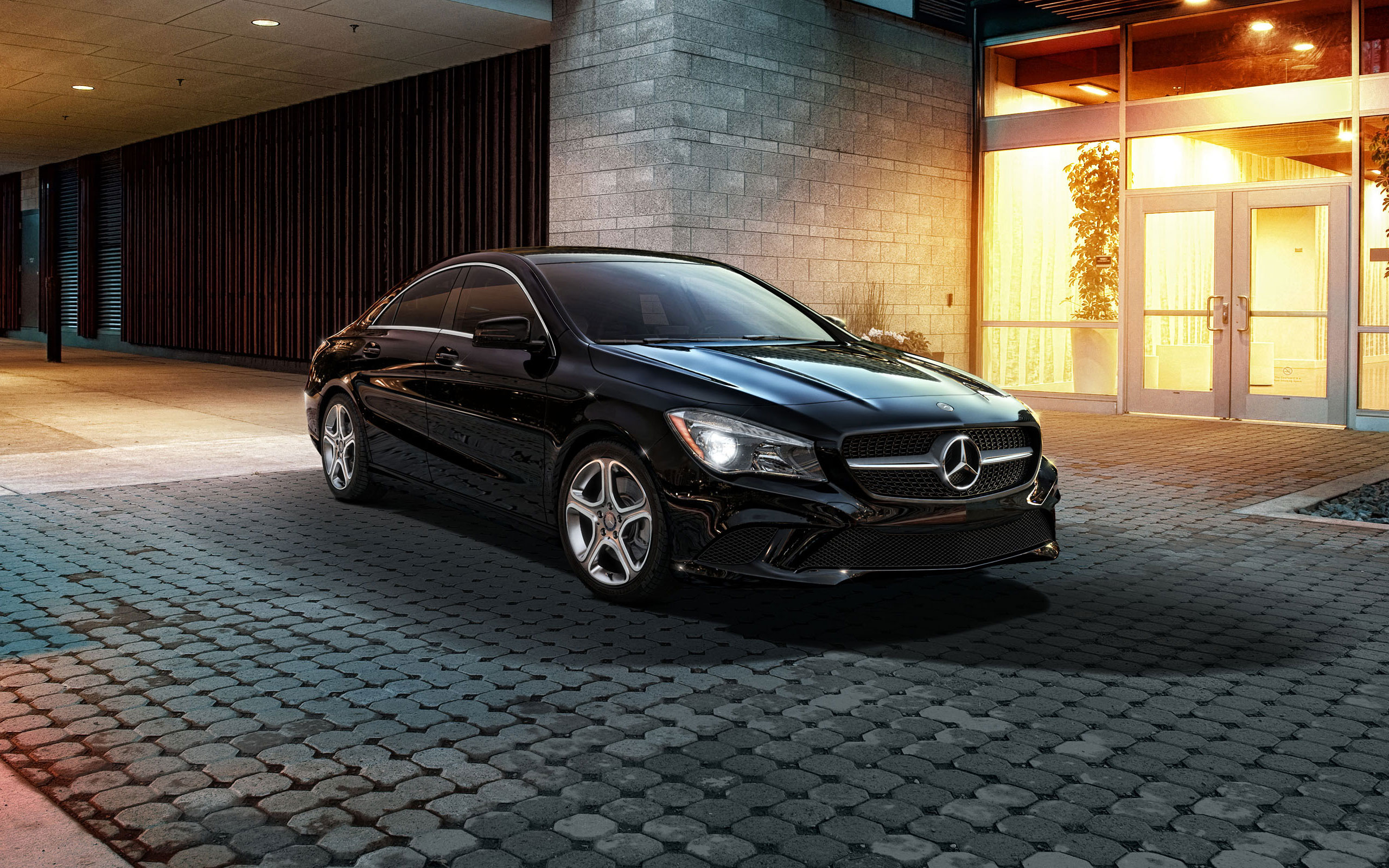 2014 Mercedes CLA250 in Night Black with 17-inch 5-spoke wheels