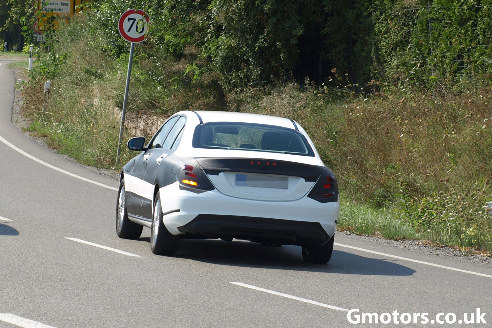 2014 Mercedes-Benz C-Class Spied Testing with Minimal Camo