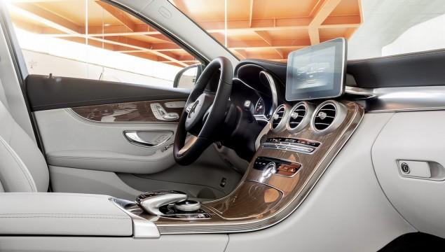 Mercedes C-Class Interior Details