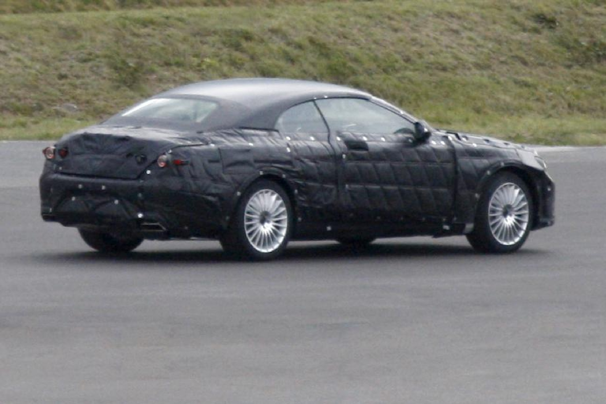 2014 mercedes-benz s-class convertible spy photos 4