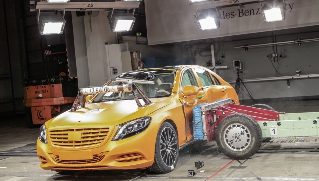 2014 Mercedes-Benz S-Class Crash Test