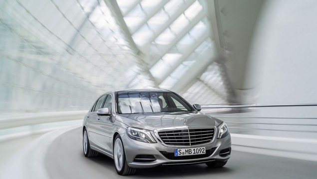 2014 Mercedes S-Class Best Car in the World – Video