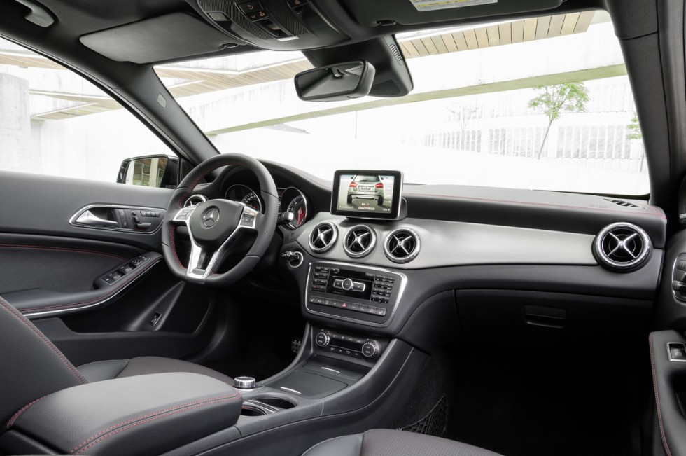 2015 Mercedes GLA Interior Grey