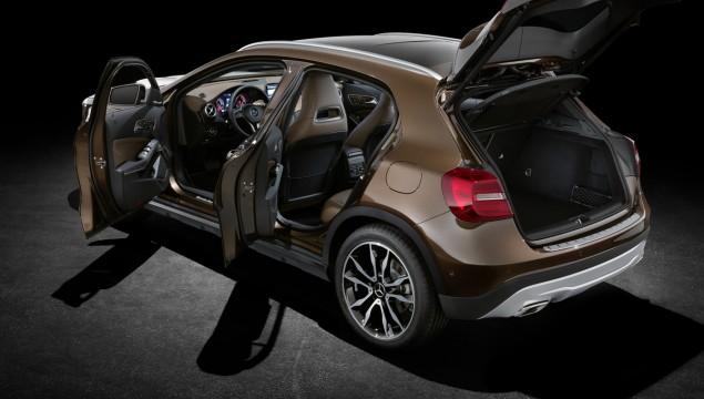 Mercedes-Benz GLA Review - Video
