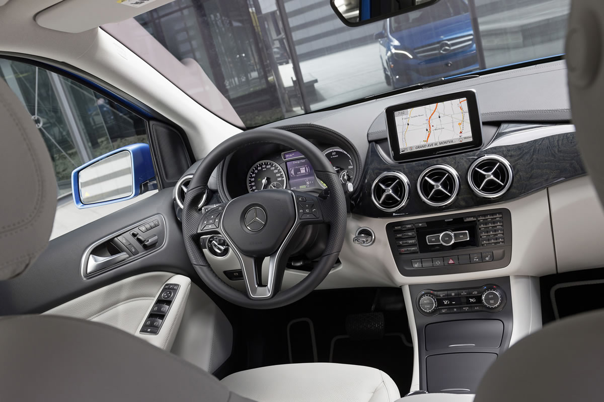 Mercedes Benz B Class Electric Drive Live In New York Photo Gallery