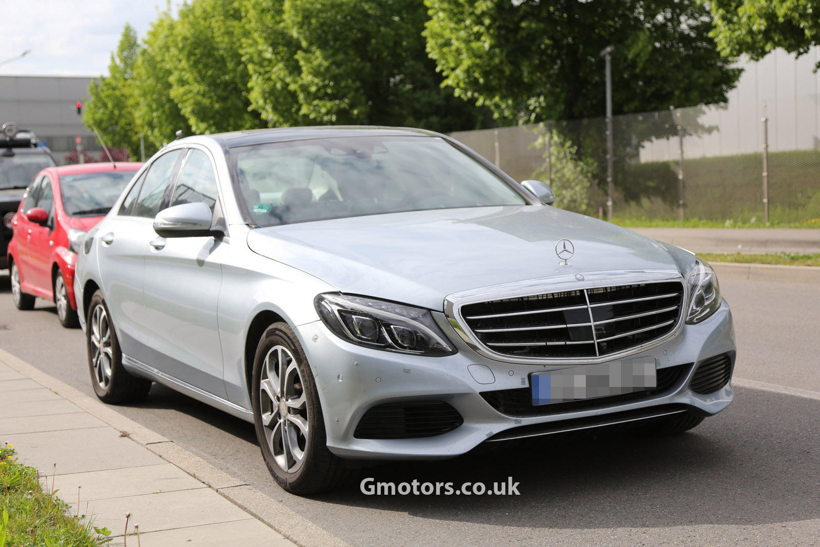 2015-Mercedes-C-Class-hybrid