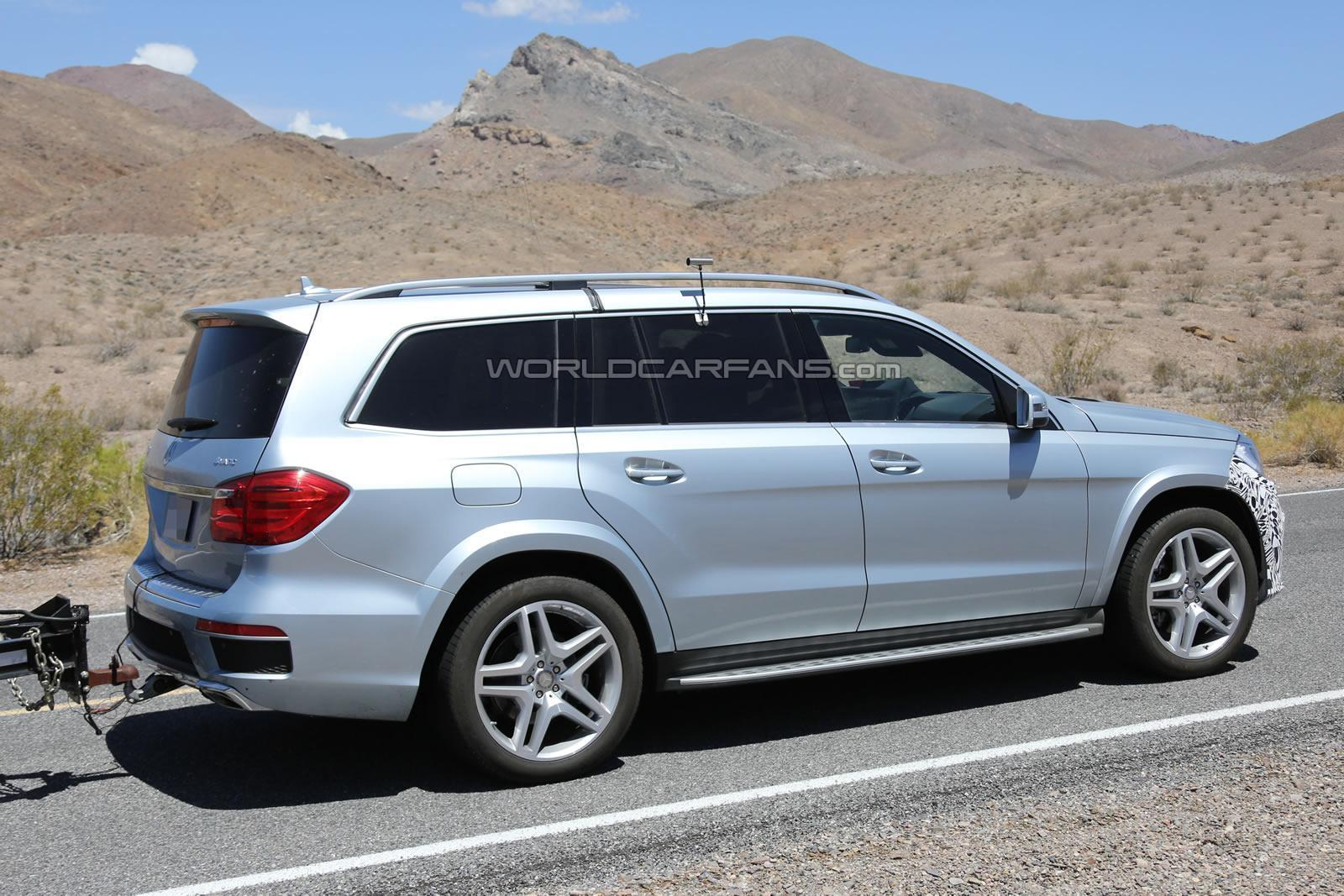 Updated mercedes benz gl class spied in death valley photo gallery
