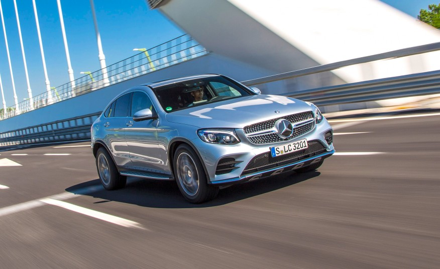 2017-Mercedes-Benz-GLC300-4MATIC-coupe-101-876×535