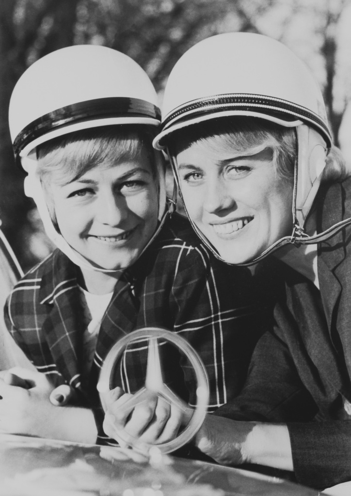 Sporting duo: The Swedish Mercedes-Benz ladies' team of Ewy Rosqvist and Ursula Wirth, picture in 1963.