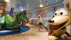 Disney Dream Cruise Buss lightyear Day Care