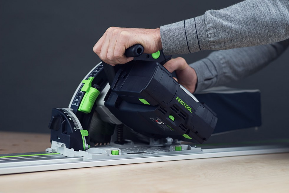 Festool TSC 55 cutting plywood
