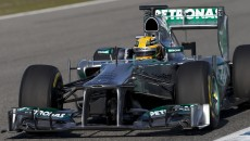 Lewis-Hamilton-F1-F1JeretTest_04022013_0020
