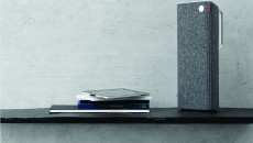 Libratone Live slate grey on shelf