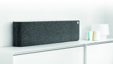 Libratone Lounge slate grey on bookshelf