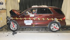 Mercedes M-Class front Crash Test