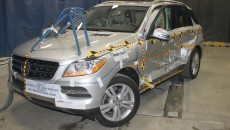 Mercedes M-Class side Crash Test