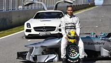 Mercedes-AMG-Petronas-F1-W04-SNE15375_copy