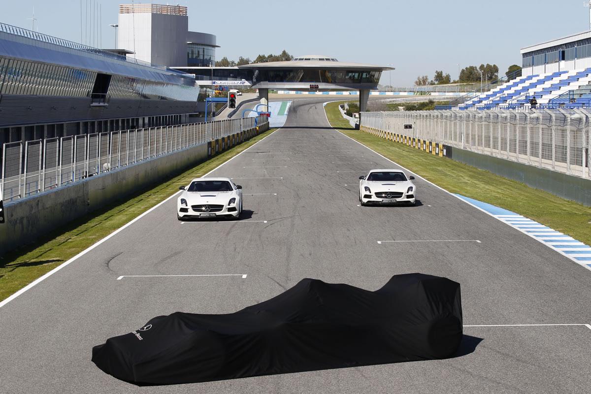 Mercedes-AMG-Petronas-F1-W04-_44B7253