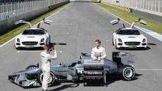 Mercedes-AMG-Petronas-F1-W04-_44B7466