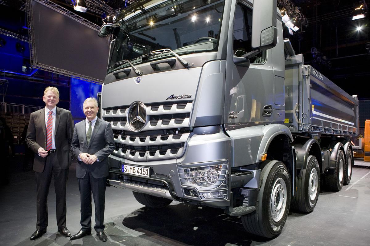 Mercedes-Benz-Arocs-13A83