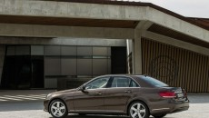 Mercedes-Benz-E-Class-12C1199_054