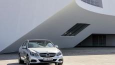 Mercedes-Benz-E-Class-12C1200_060