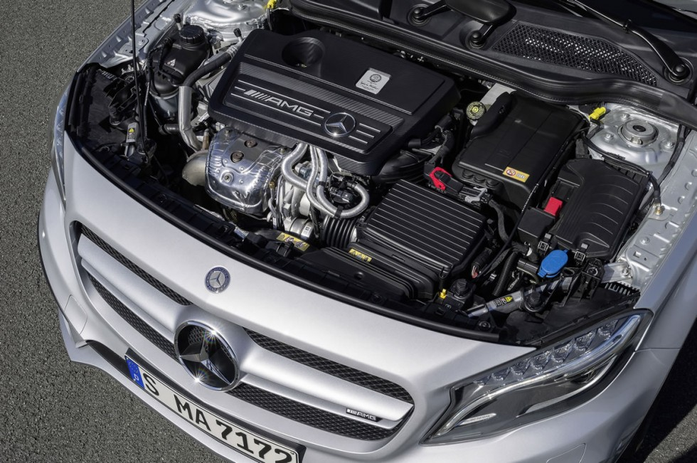 Mercedes GLA45 AMG Engine
