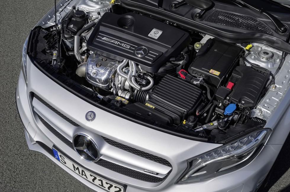 Mercedes GLA45 AMG Engine
