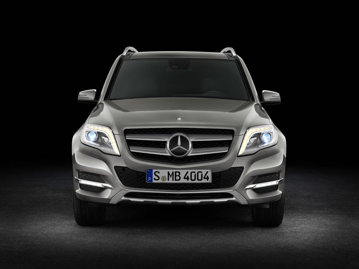 Mercedes-Benz-GLK-12C77_11