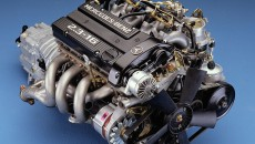 With the M 102 E 23/2 engine of the Mercedes-Benz 190 2.3-16 (W 201), four-valve technology returns to Mercedes-Benz series production.