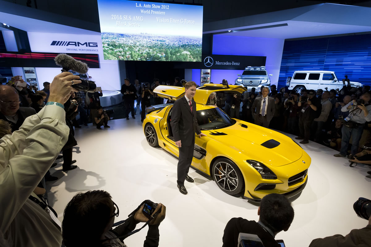 Mercedes-Benz-LA-Auto-Show-12C1325_022