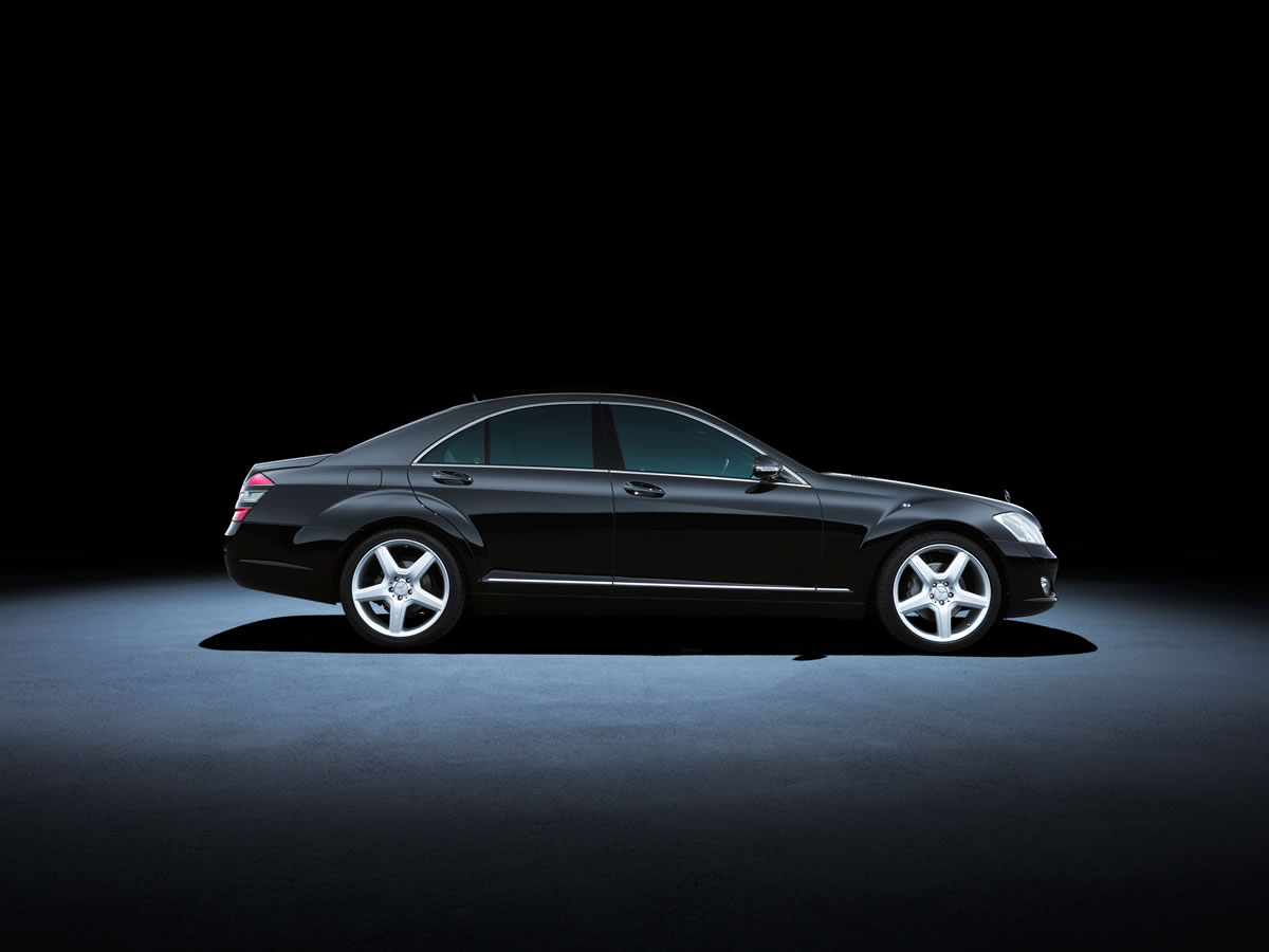 Mercedes-Benz S-Class 221 series (2005 to 2013). The S 500 model in the photo dates from 2007