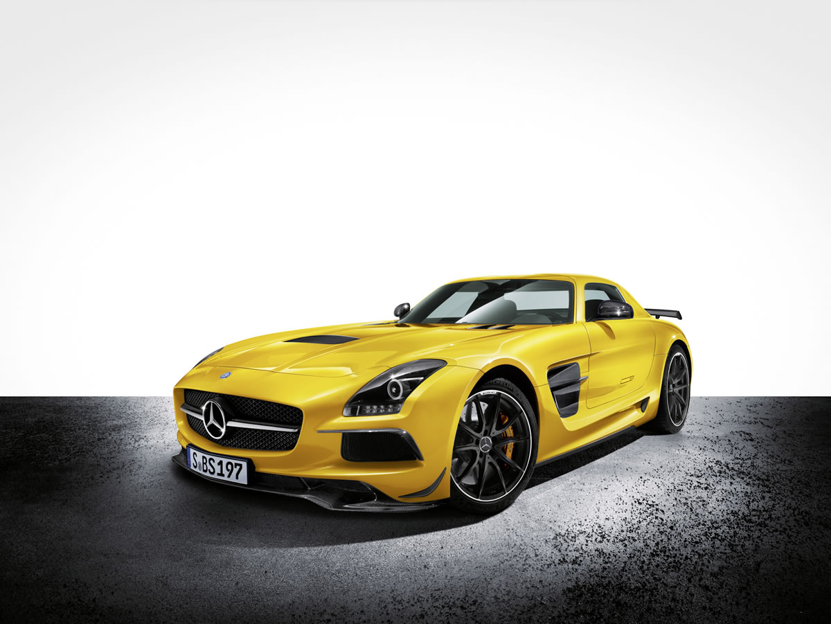 Mercedes-Benz-SLS-AMG-Black-Sereies-12C1231_03