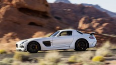 Mercedes-Benz-SLS-AMG-Black-Sereies-12C1232_26