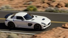Mercedes-Benz-SLS-AMG-Black-Sereies-12C1232_34