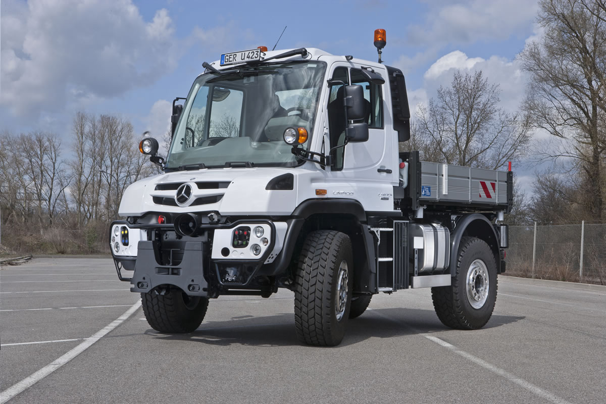 Unimog U 216 to Unimog U 530 Implement Carriers 6